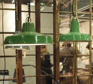 gammal Industrilampa